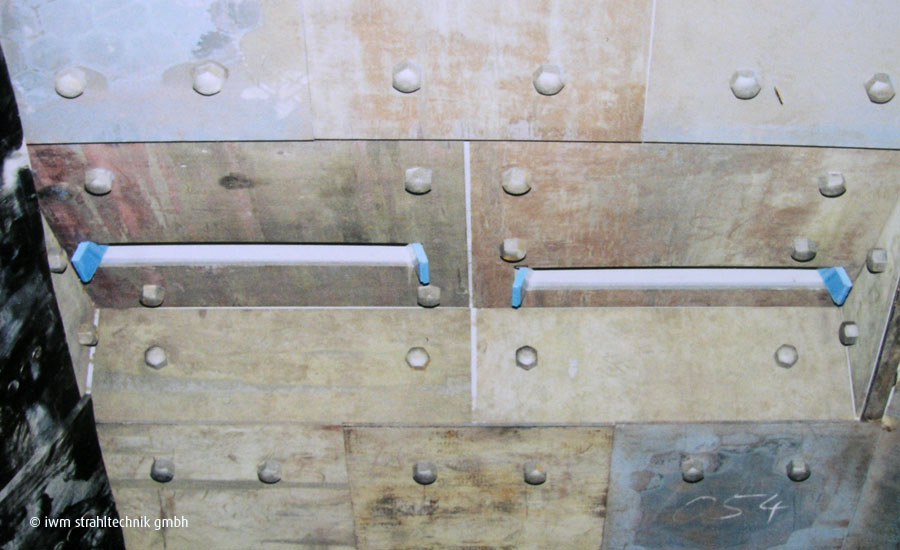 IWM blast cabinet linings made from tool steel and manganese